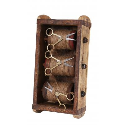 Brick Mould with 3 Spools of Twine and Scissor